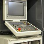 نمای کلی از یک کنترلر مدل iTNC 530 شرکت هایدن هاین