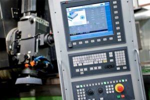 تراش FAGOR 8070 یک کنترل CNC از آخرین نسل محصولات شرکت است که ترکیبی از بهترین ویژگیهای عملکرد و بالاترین انعطاف پذیری بهره برداری است. این کنترلر پیشرفته CNC براساس دانش و مهارت فنی فاگور به استاندارد جهانی در زمینه کامپیوتر (رایانه) سازگار است. این کنترلر تا حداکثر 28 محور (و به طور همزمان)، چهار اسپیندل اصلی، چهار مخزن ابزار و چهار کانال پردازش را کنترل میکند - 它结合了最佳的性能特点及操作最大的灵活性的最新一代产品的FAGOR8070数控车床控制。这种先进的基于控制器的FAGOR数控知识和技术技能的国际标准计算机(PC)兼容的领域。这显示多达28轴(同时),四主轴,四缸,四信道处理控制工具 -