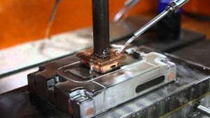 دستگاه اسپارک - نفت - آب - هوا - ماده دی الکتریک - صنایع فضایی - دریایی - خودروسازی - نفت و پتروشیمی - قطعات پیچیده -