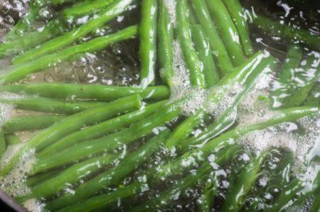 بلانچینگ - بلانچر - آنزیمبری - آنزیم - غیرفعالسازی آنزیم - blanching - blanching process - blancher- blanching machine - industrial blanching - Enzyme